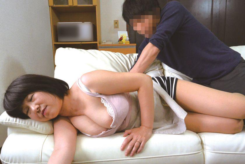 むっちりデカ垂れおっぱいの爆乳奥さんが若いチ○ポ堕ちしてしま サンプル画像11