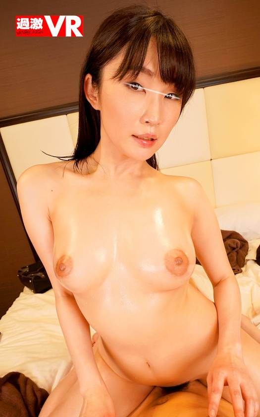 【VR】乳首ベロベロ痴漢 ~男性マッサージ師を舐めまわし誘惑 サンプル画像11