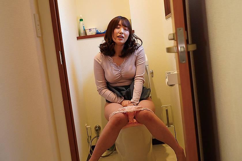 隣の美人妻 泥酔し部屋を間違え「ただいま~!」 河北はるな サンプル画像11