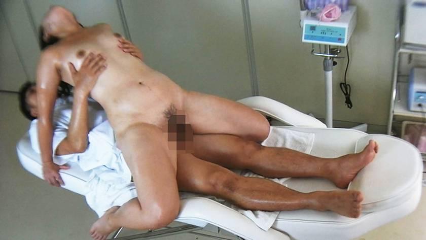 変態調教され性●●に墜ちていく健気な母 10人 240分 サンプル画像12