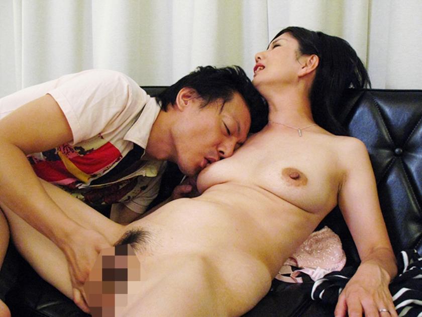 不倫性交おばさん20人240分 高橋りえ 高島恭子 愛あいり サンプル画像12