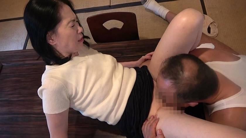 昭和官能熟女スペシャル 純潔な妻が快楽に溺れる午後 6人 4時間 サンプル画像12
