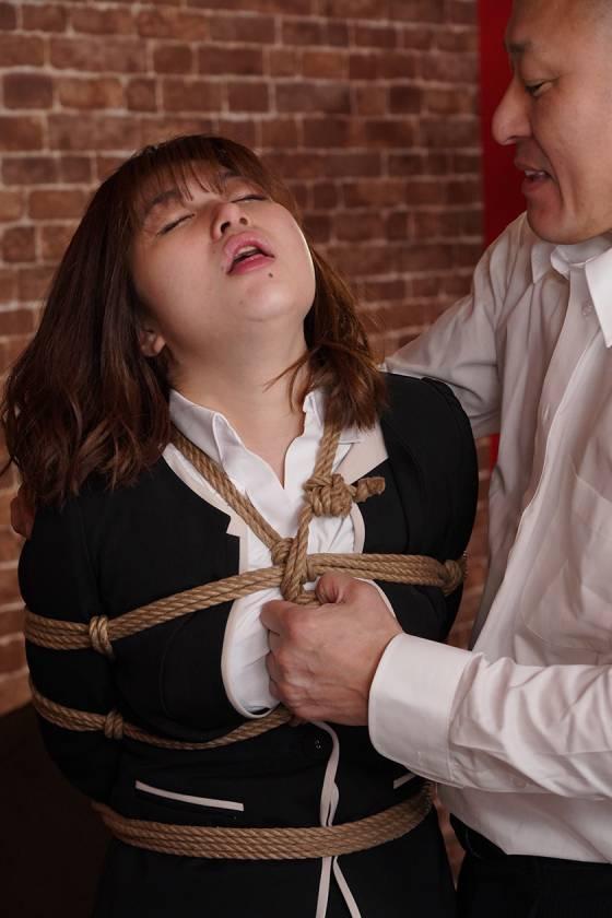 縛られた女捜査官 うららか麗 サンプル画像12