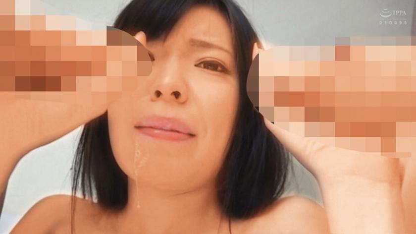 喉姦SEX 喉奥を犯された素人美女 24人 4時間 サンプル画像13