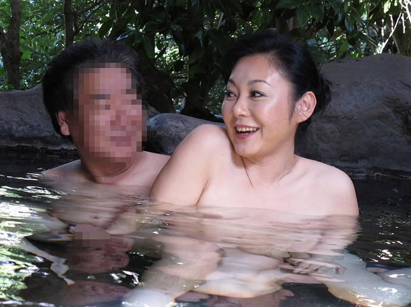 熟女浪漫紀行 夫婦、不倫、出逢い 旅先での熟年SEXを描いた サンプル画像13