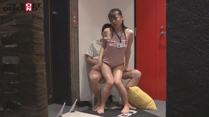 SOD女子社員 全裸入社式 新入社員12名全員の初撮りSEX サンプル画像13