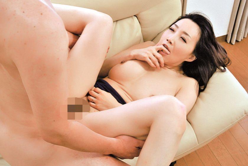 極上熟女 桐島美奈子 誘惑の美肉 サンプル画像15