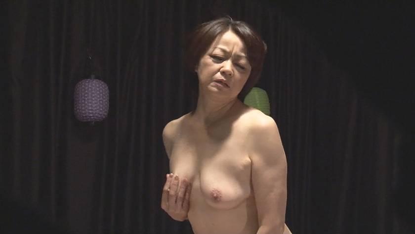 五十路・六十路熟女10人のねっとり性交 (3)~いやらしすぎる腰使いがたまんねぇ~! サンプル画像17