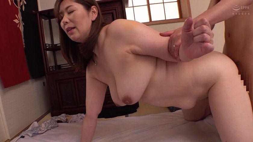あがった母 中出しする息子 翔田千里 サンプル画像18