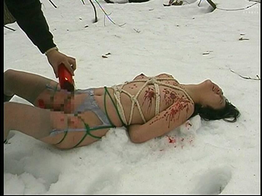 緊縛女生徒雪化粧 鞭連打 蝋燭責め サンプル画像19