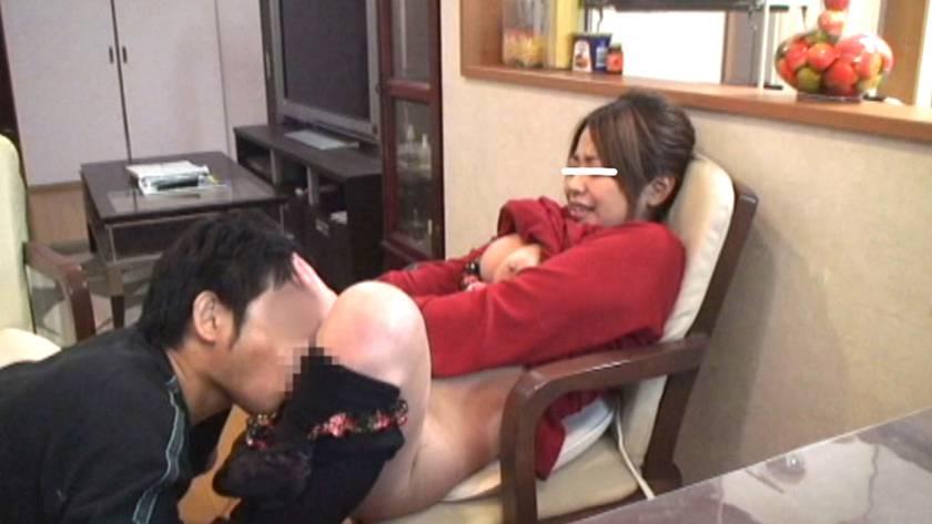 ムチムチな巨乳人妻がママ友に騙され寝取られ堕ち サンプル画像1