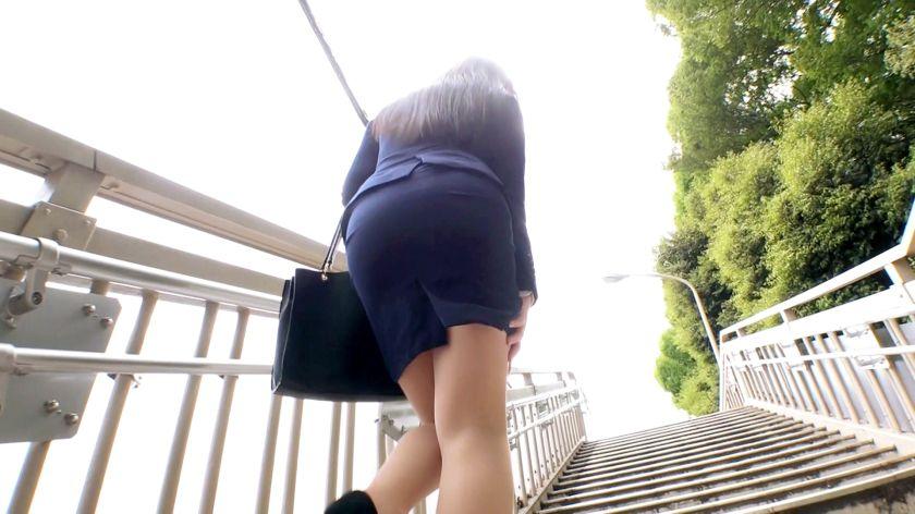【激カワ不動産OL】【がっつりスケベ美女】るあちゃん参上!お サンプル画像1