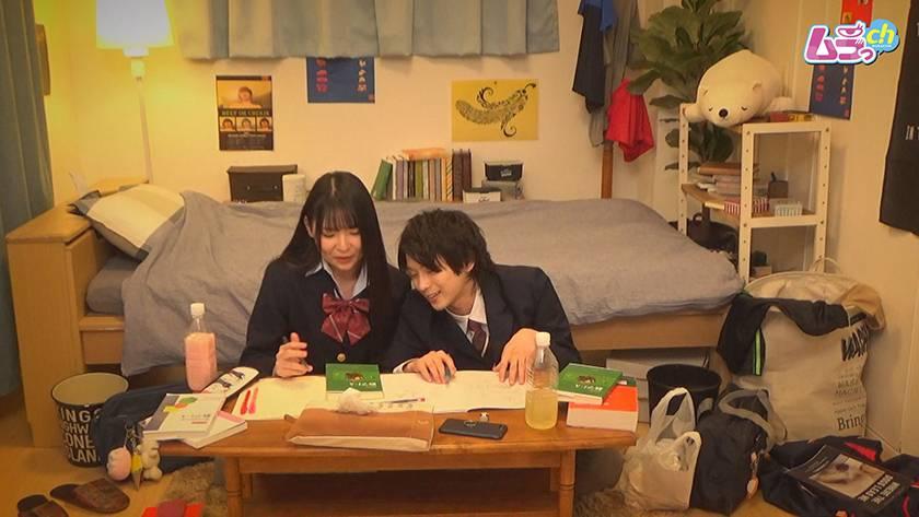 カップル盗撮 勉学に勤しむべき学生カップルが、親の居ぬ間に盛 サンプル画像1