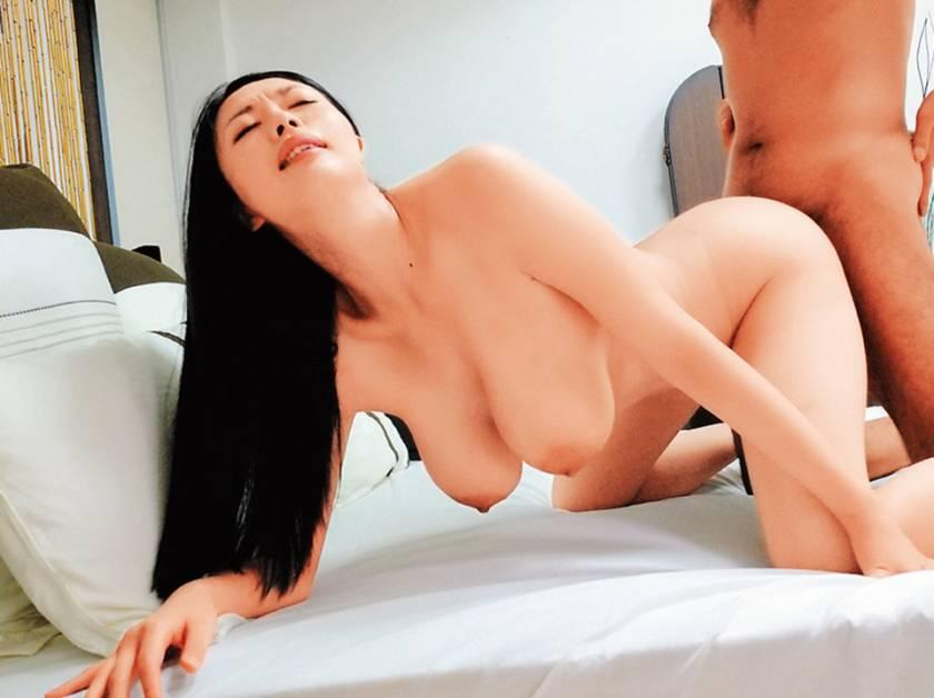 黒髪の人妻 サンプル画像21
