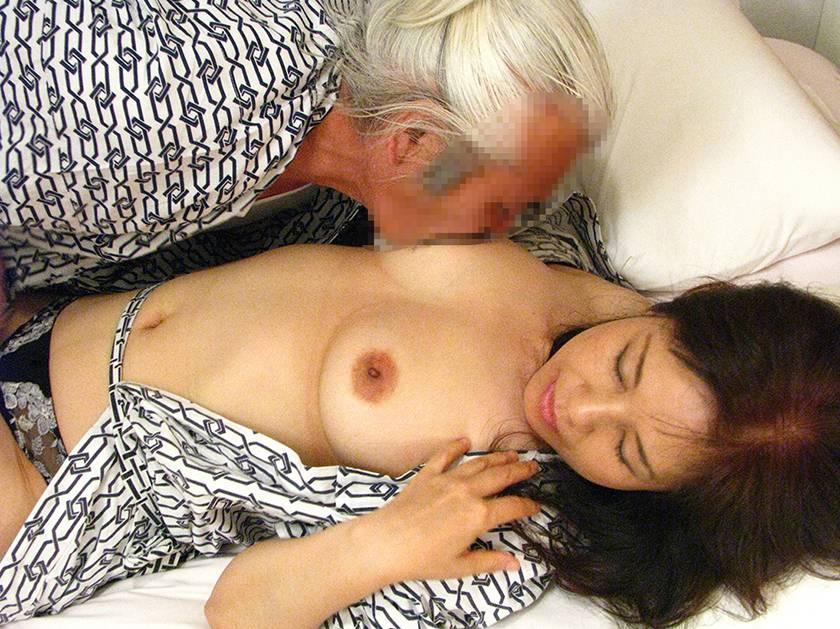 熟女浪漫紀行 夫婦、不倫、出逢い 旅先での熟年SEXを描いた サンプル画像2