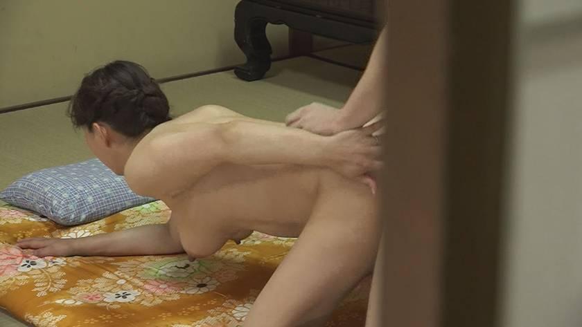 五十路・六十路熟女10人のねっとり性交 (3)~いやらしすぎる腰使いがたまんねぇ~! サンプル画像2