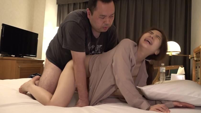 童顔人妻!福井のビジネスホテルで出会った美人マッサージ師・城 サンプル画像3