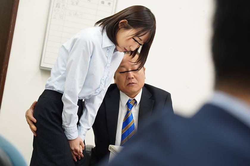犯され願望満載ソソるドMエロ妄想女子社員 中途採用の女子社員 サンプル画像3