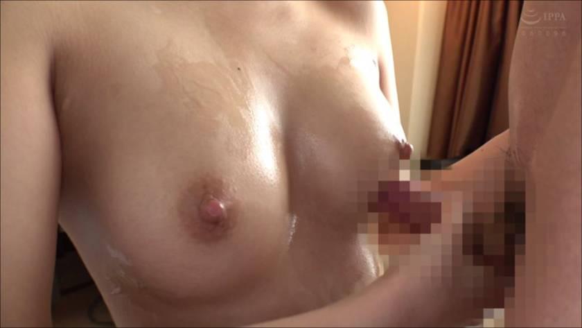 巨乳奥様がパイ拓に挑戦!!母性溢れるマシュマロおっぱいを童貞 サンプル画像3