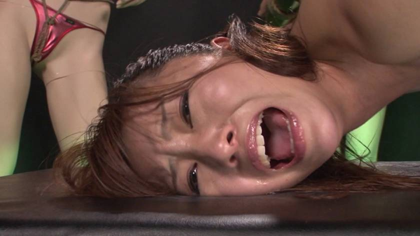 乳首とマ○コとアナルを同時に責められ失神する女 サンプル画像3