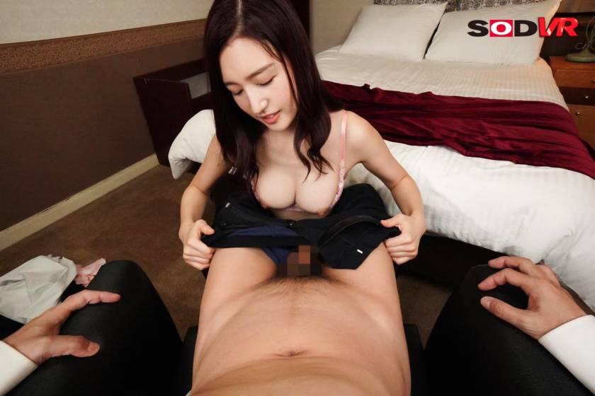 【VR】出張先で清楚な女部下と相部屋に… まさかの彼女から頼 サンプル画像4