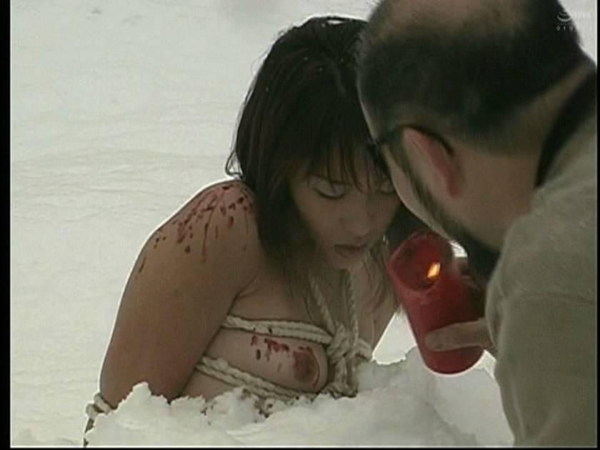 緊縛女生徒雪化粧 鞭連打 蝋燭責め サンプル画像4