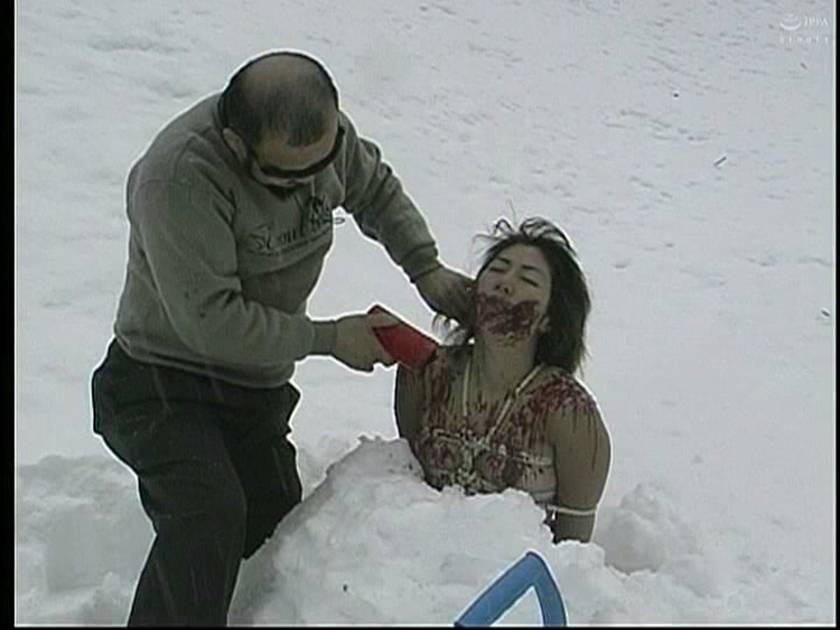 緊縛女生徒雪化粧 鞭連打 蝋燭責め サンプル画像5