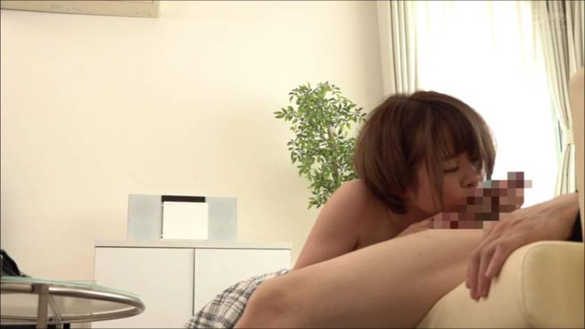 うたた寝している女友達にイタズラ。抵抗はするものの意外とまん サンプル画像6