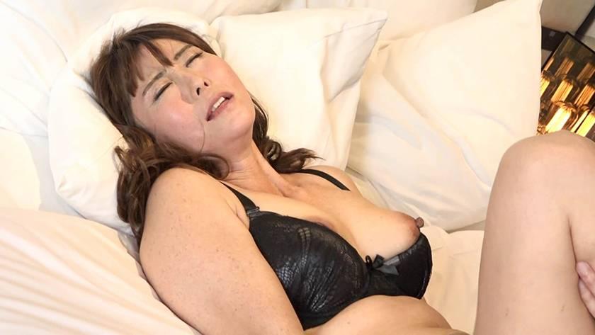 人妻巨根不倫「大きなイチモツをください」~ゆきえ43歳 サンプル画像7