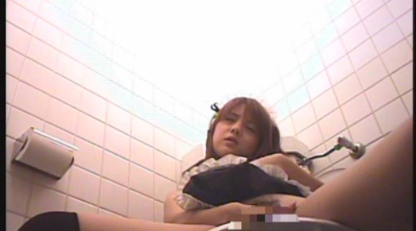 都内某所 メイド喫茶トイレ盗撮映像流出 サンプル画像7
