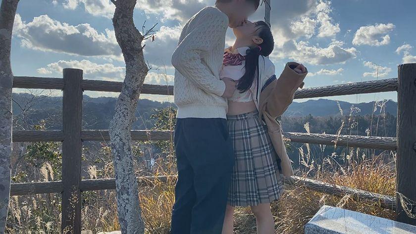 接吻露出 学校では優等生を演じてるベロちゅう好きな本物ビッチ サンプル画像7