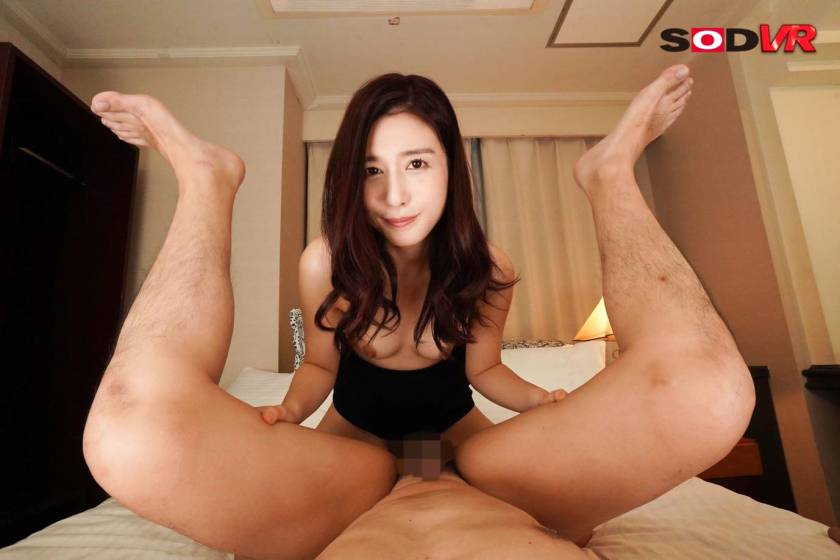 【VR】出張先で清楚な女部下と相部屋に… まさかの彼女から頼 サンプル画像9