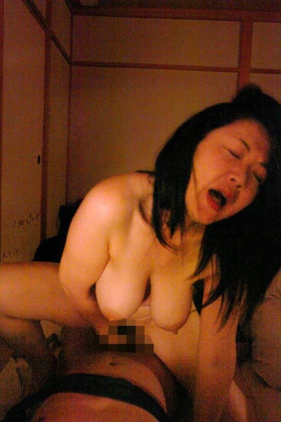 昭和熟女36人の近親相姦その悦楽と慟哭 サンプル画像9