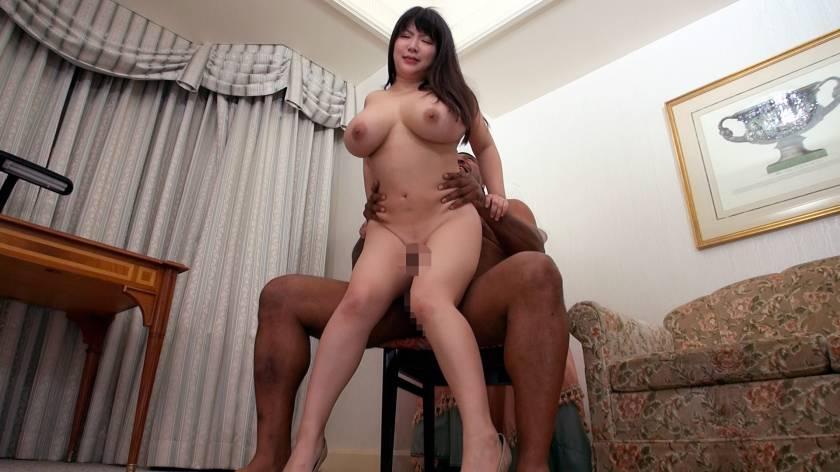 JカップOLは黒人と遊びたい!憧れの黒人棒と対面した爆乳娘は サンプル画像9